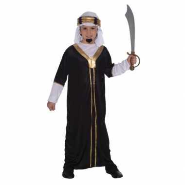 Arabieren foute kleding inclusief hoofddoek voor kinderen