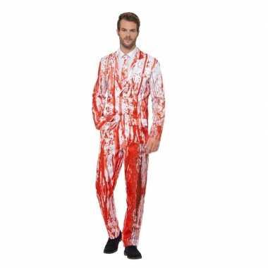 Bloederige smoking foute kleding voor heren