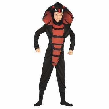 Cobra ninja slangen foute kleding voor jongens