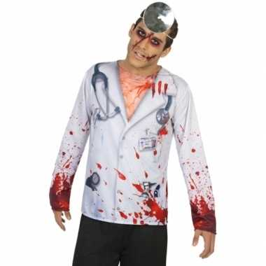 Compleet horror dokter foute kleding voor heren