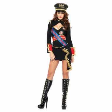 Diva dictator dames foute kleding