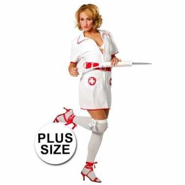 Foute big size verpleegster pakje kleding
