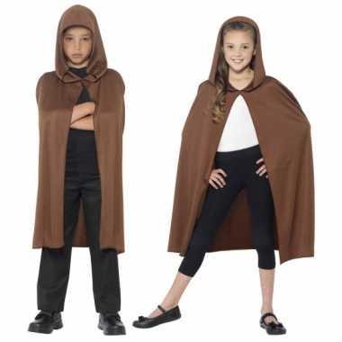 Foute kleding bruine cape