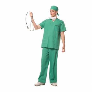 Foute kleding chirurg carnaval