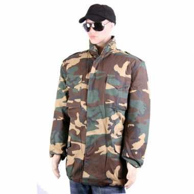 Foute legerprint winterjassen kleding