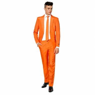 Foute oranjesupporters pak man kleding