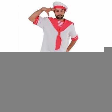 Gay pride parade roze matrozen foute kleding voor heren