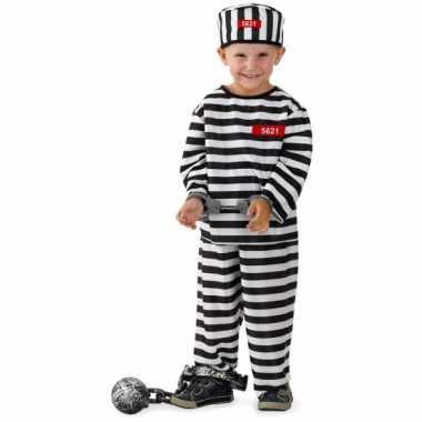 Gevangene foute kleding voor jongens