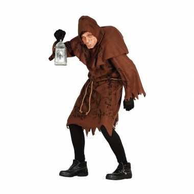 Halloween horror foute kleding gebochelde man