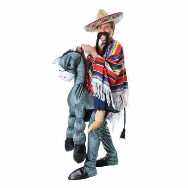 Instap foute kleding mexicaan op ezel