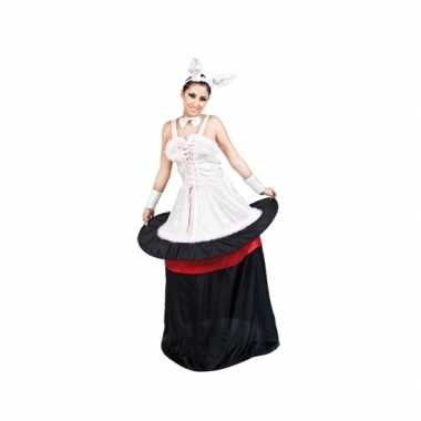 Konijn in hoed dames foute kleding