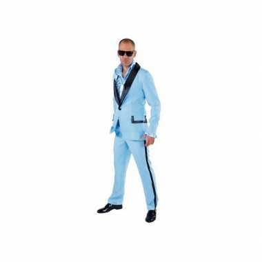 Lichtblauwe smoking foute kleding voor heren