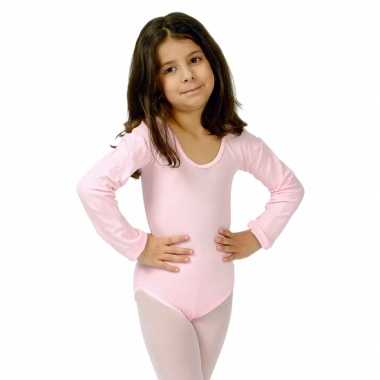 Lichtroze kinder ballet foute kleding