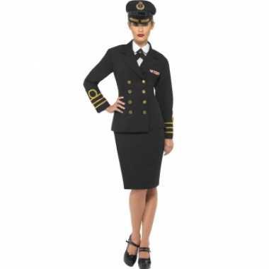 Navy officiers foute kleding voor dames