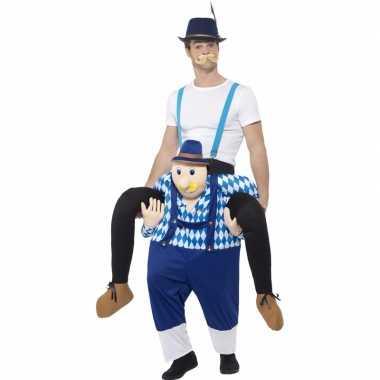 Oktoberfest foute kleding man op bayerische man