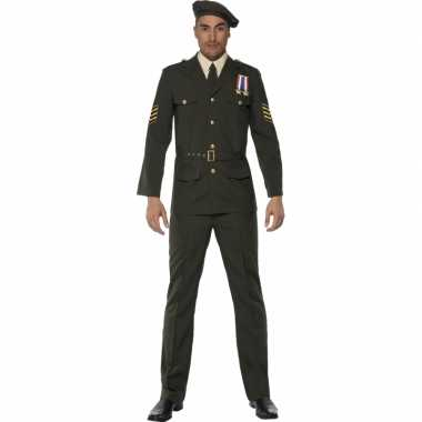 Oorlog officier foute kleding