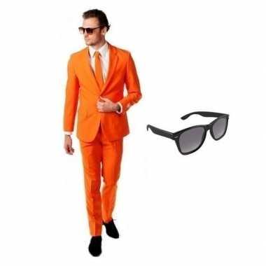 Oranje heren foute kleding maat 56 (3xl) met gratis zonnebril