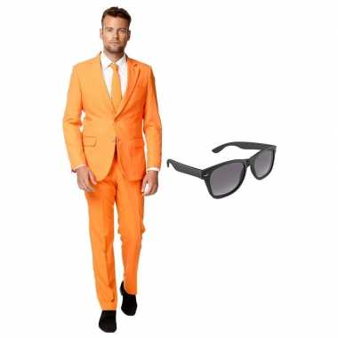 Oranje heren foute kleding maat 56 (xxxl) met gratis zonnebril