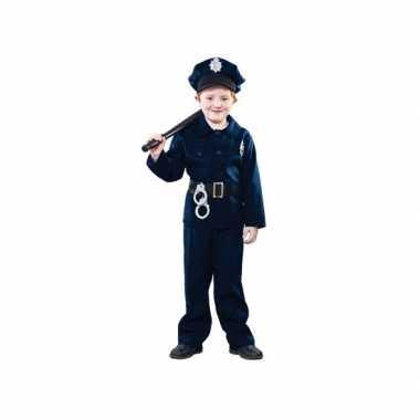Politie agent foute kleding voor kinderen