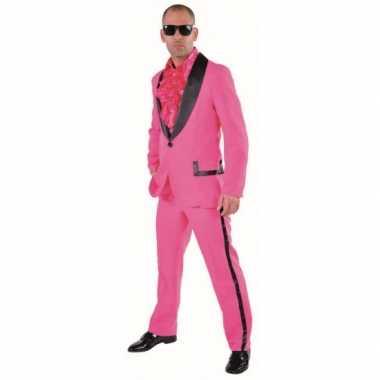 Roze smoking foute kleding voor heren