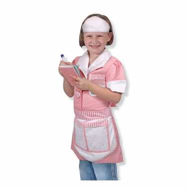 Serveerster foute kleding voor meisjes