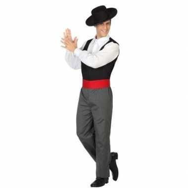 Spaanse flamencodanser foute kleding voor heren